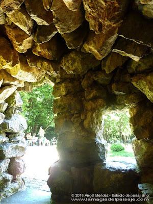 El Capricho de Gaudí, cueva