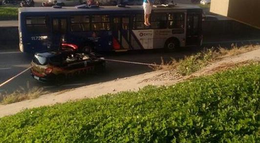 GCM de Taboão da Serra atende ocorrência de suicídio em viaduto na Régis Bitencourt