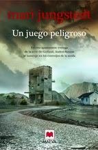 http://lecturasmaite.blogspot.com.es/2015/04/novedades-abril-un-juego-peligroso-de.html