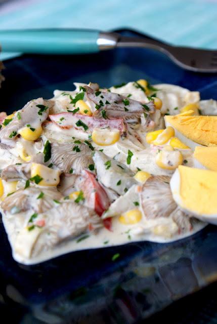 sałatka śledziowa,matjas,filety śledziowe,sałatka z jajka i śledzi, imprezowe sałatki,sałatki na karnawał,sałatka z boczniakami,majonez kielecki,