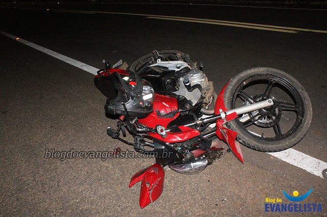 Motociclista morre ao colidir contra traseira de caminhão no interior do Piauí