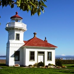 pacific nw travels and tails a visit to the mukilteo lighthouse