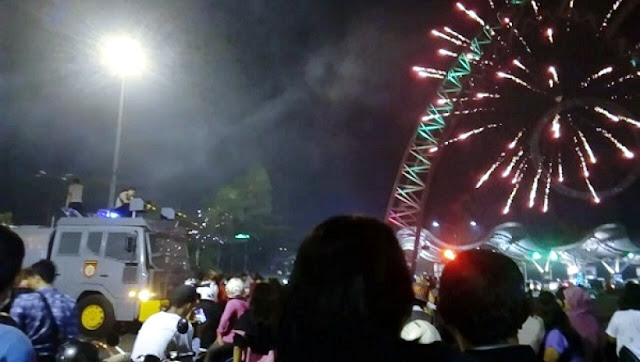Ngeri, Pesta Kembang Api MalamTahun Baru 2017 Berubah Menjadi Malapetaka (3 Video)