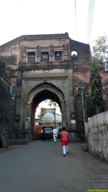 Maheshwar fort entrance