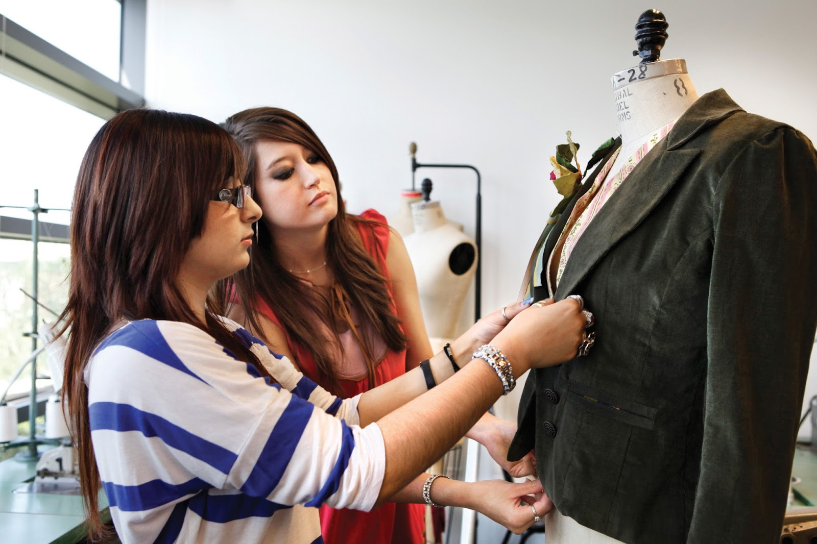 Institute Of Innovative Designs Technology Nagpur How To Be A Fashion Designer