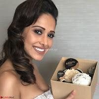 Nushrat Bharucha New Bollywood sensation from Sonu Ke u Ki Sweety Exclusive Unseen Pics ~  Exclusive Gallery 025.jpg
