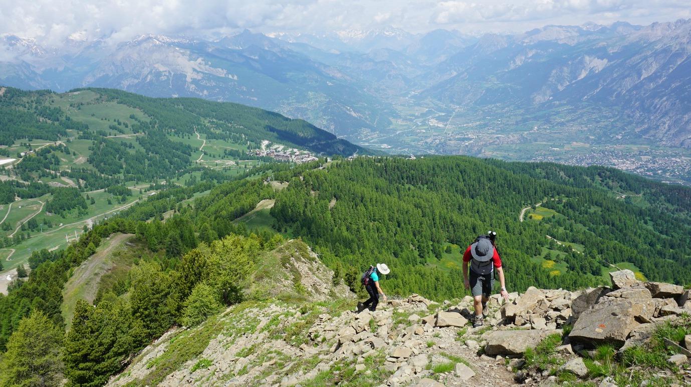 Climbing along Crete de Razis