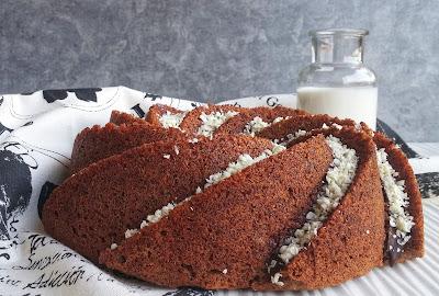 torta al latte caldo con cioccolato