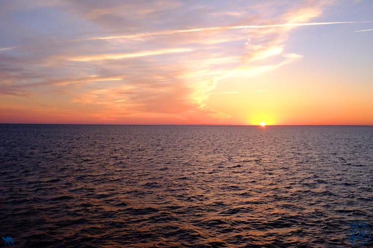 Le Chameau Bleu - Blog Voyage Block Island - Couché de soleil depuis le ferry partant de Block Island
