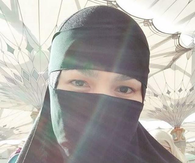 Peminat Pertikai Datuk Siti Berniqab Ketika Umrah