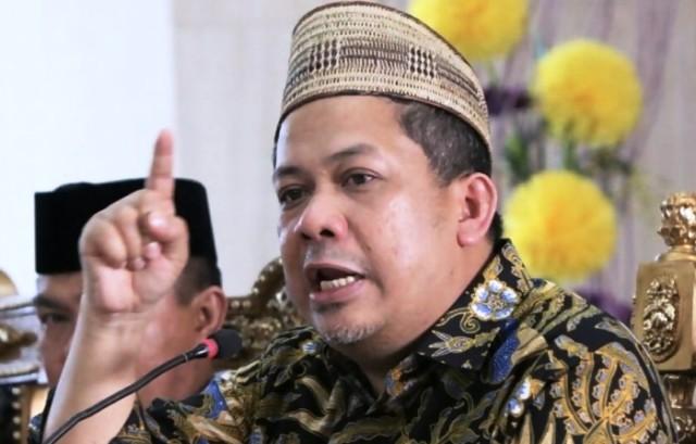Ustaz Somad Batalkan Ceramah di Pulau Jawa, Fahri Hamzah Bereaksi