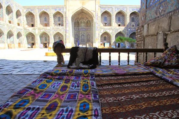 Ouzbékistan, Samarcande, tapshan, tapchane, Registan, médersa Cher-Dor, © L. Gigout, 2012