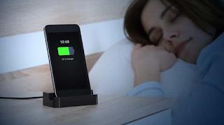 عادات خاطئة عند شحن الهواتف  والاجهزة اللوحية