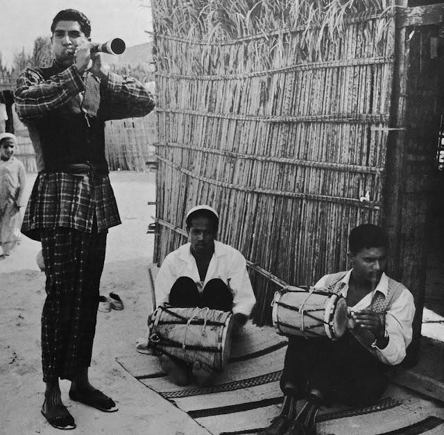 #Bahrain #Sharjah #United Arab Emirates #pearl divers #naham #oud #surnai #tabl #lyre #tanboura #Ocora #traditional music #world music #taqsim #Baluchi #bedouin music #Arabic music #trance #vinyl