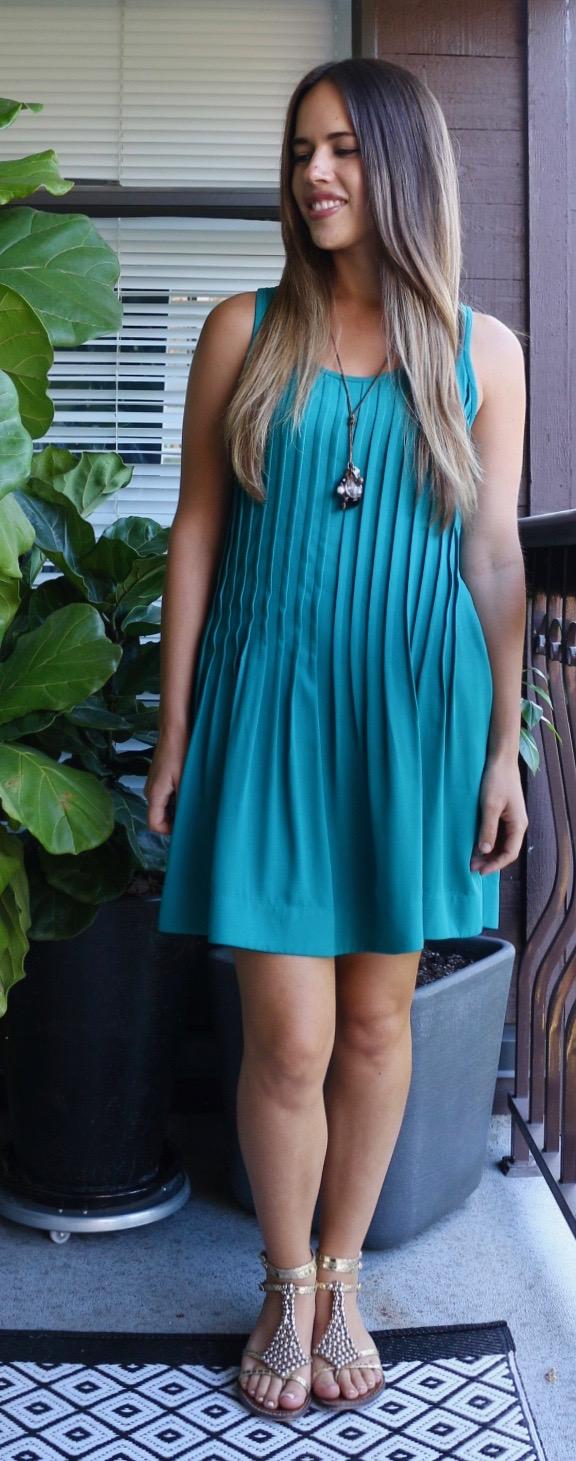 Jules in Flats - Pleated Swing Dress