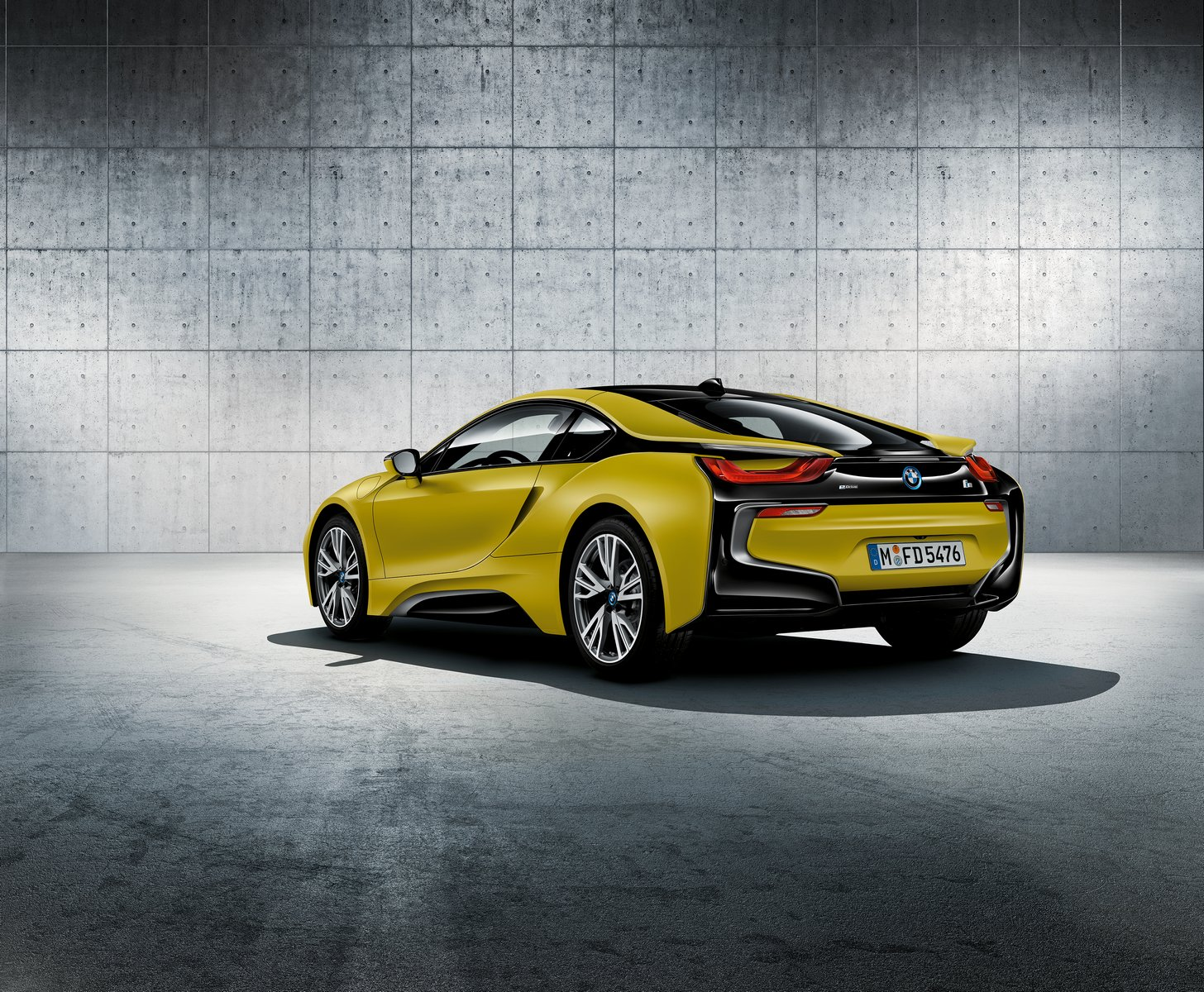 bmw i8 protonic frozen yellow edition unveiled ahead of shanghai carscoops. Black Bedroom Furniture Sets. Home Design Ideas