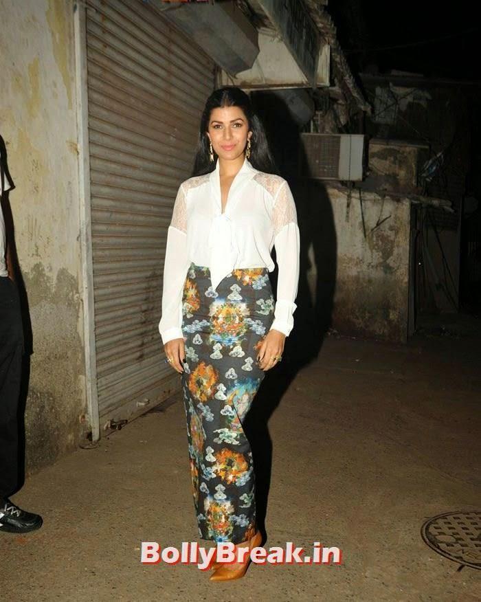 Nimrat Kaur, Nimrat Kaur hot Pics in Skirt Dress at Thespo 16 Awards 2014