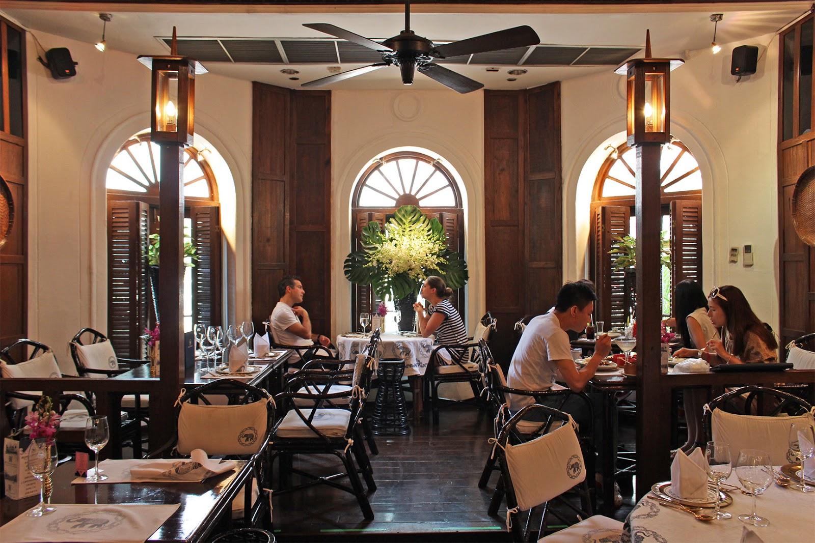Blu Elefant Cafe Hours