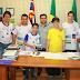 Prefeito recebe professores e alunos premiados da EE Nelson Fernandes