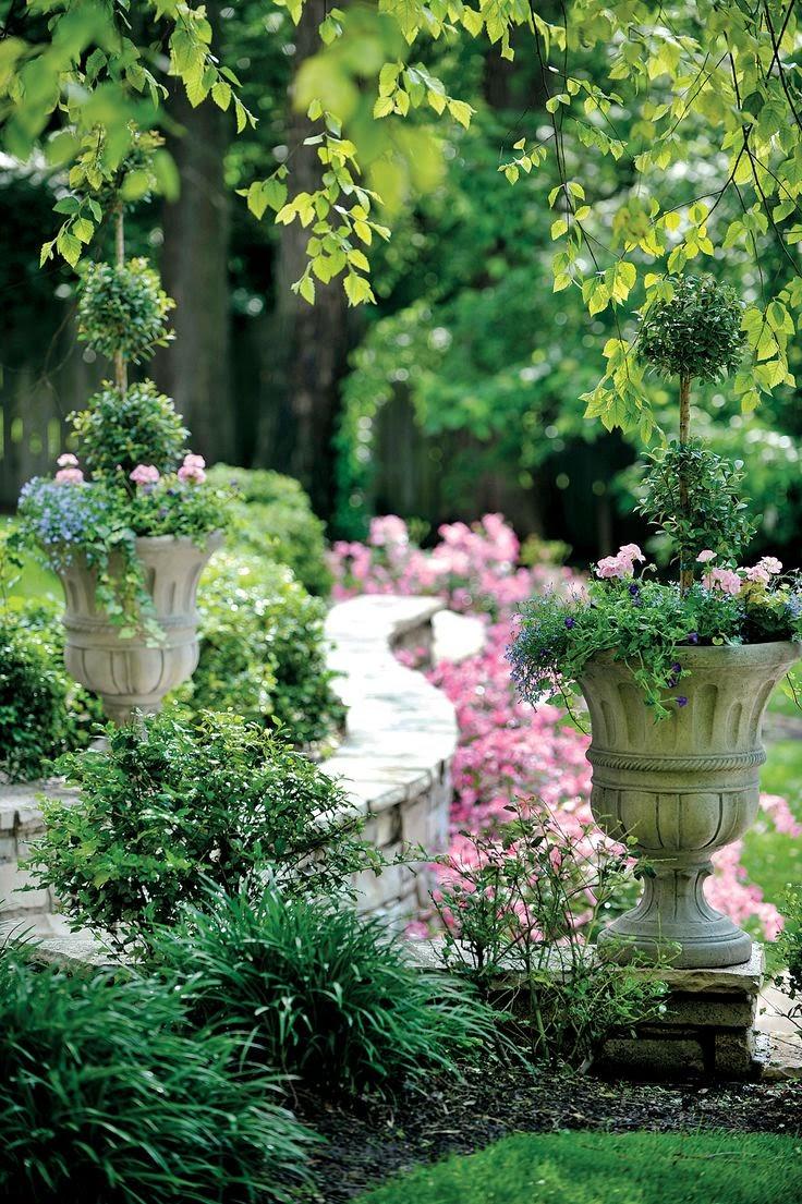 Flowers Gardens: Beautiful Garden Statuary & Urns