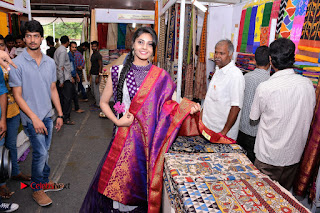 Telugu Actress Veena Inaugurates Silk India Expo  0030.jpg
