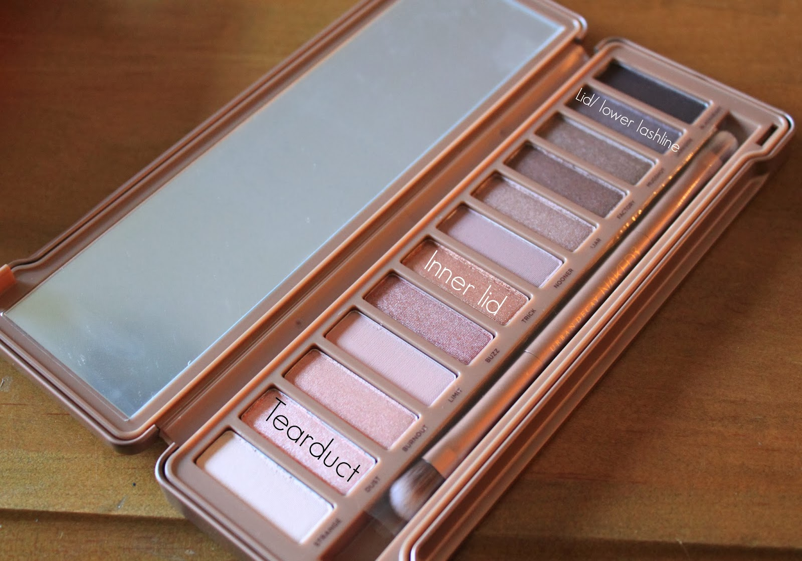 Beauty blogger Mash Elle shares an easy day-to-night smokey eye using Urban Decay's Naked 3 palette