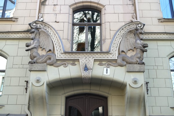 riga art nouveau district dragons