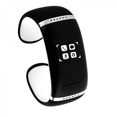 Le bracelet connecté existe avec haut-parleur intégré  pour écouter de la musique et avec possibilité de répondre aux appels