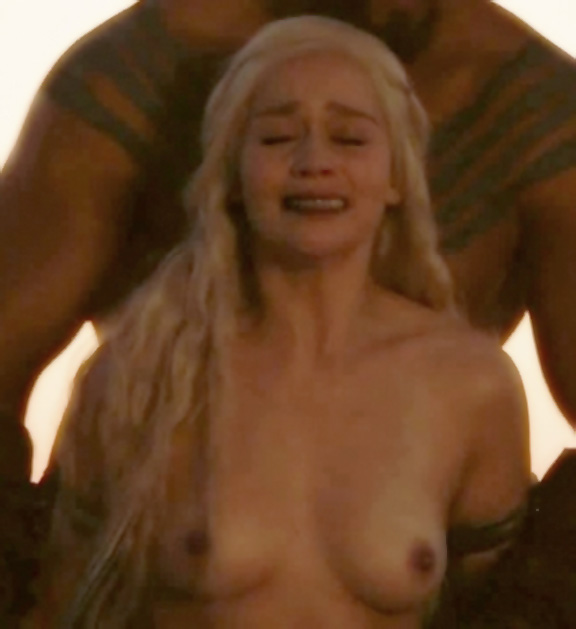 Emilia Clarke Tits Gif 7