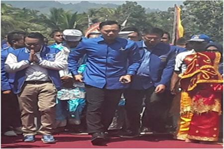 Agus Harimurti Yudhoyono kunjungi Istano Basa Pagaruyung