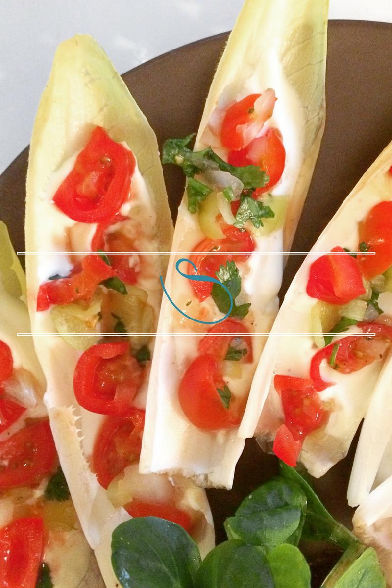 #Mediterranean endive boats with goat cheese & Tunisian salsa | Endive méditteranéene avec du fromage de chèvre & de la salsa Tunisienne