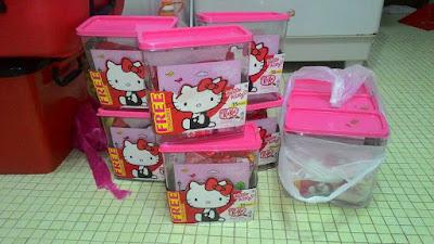 Nestle Malaysia KitKat Free Bekas Hello Kitty Container