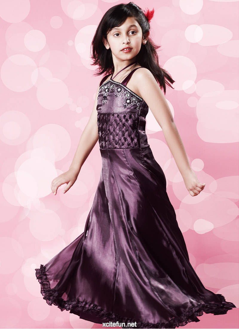 The Latest Fashions: Baby Girl - Party Wear Dresses | Gowns Ideas