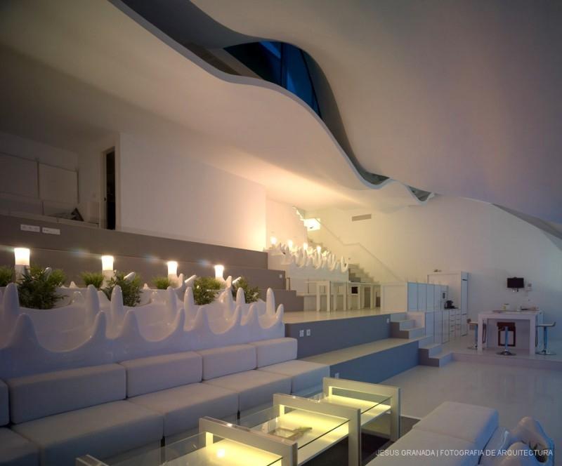 07-GilBartolomé-Pablo-Gil-Jaime-Bartolomé-Architecture-with-the-Casa-del-Acantilado-Cliff-House-www-designstack-co