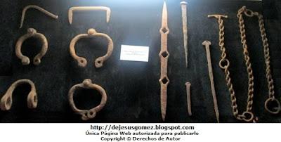 Foto de Grillete, clavos, barrotes y cadenas de tortura de la Inquisición, foto tomada por Jesus Gómez
