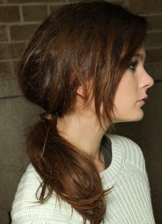 Schulterlange Gestufte Haare Mit Pony Moderne Frisuren Frisur Ideen