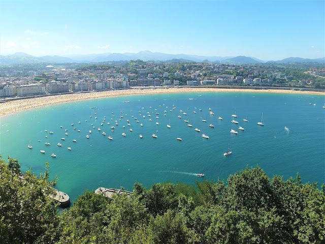 utsikt över La Concha stranden i San Sebastian
