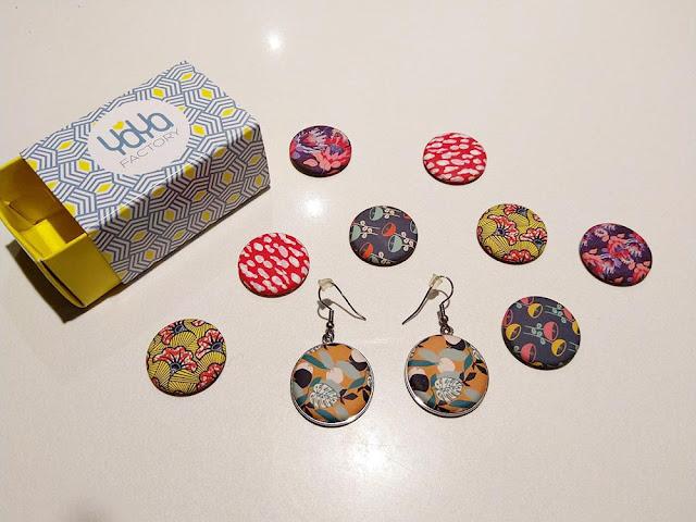 bijoux à personnaliser avec badges et boucles d'oreilles taille s