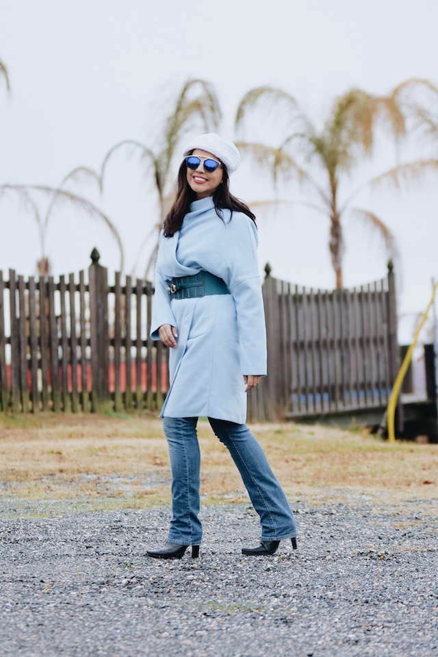 Wearing: Coat/Abrigo: SheIn Jeans/Vaqueros: Hydraulic Boots/Botas: Nine West Bag/Bolso: Rainbow