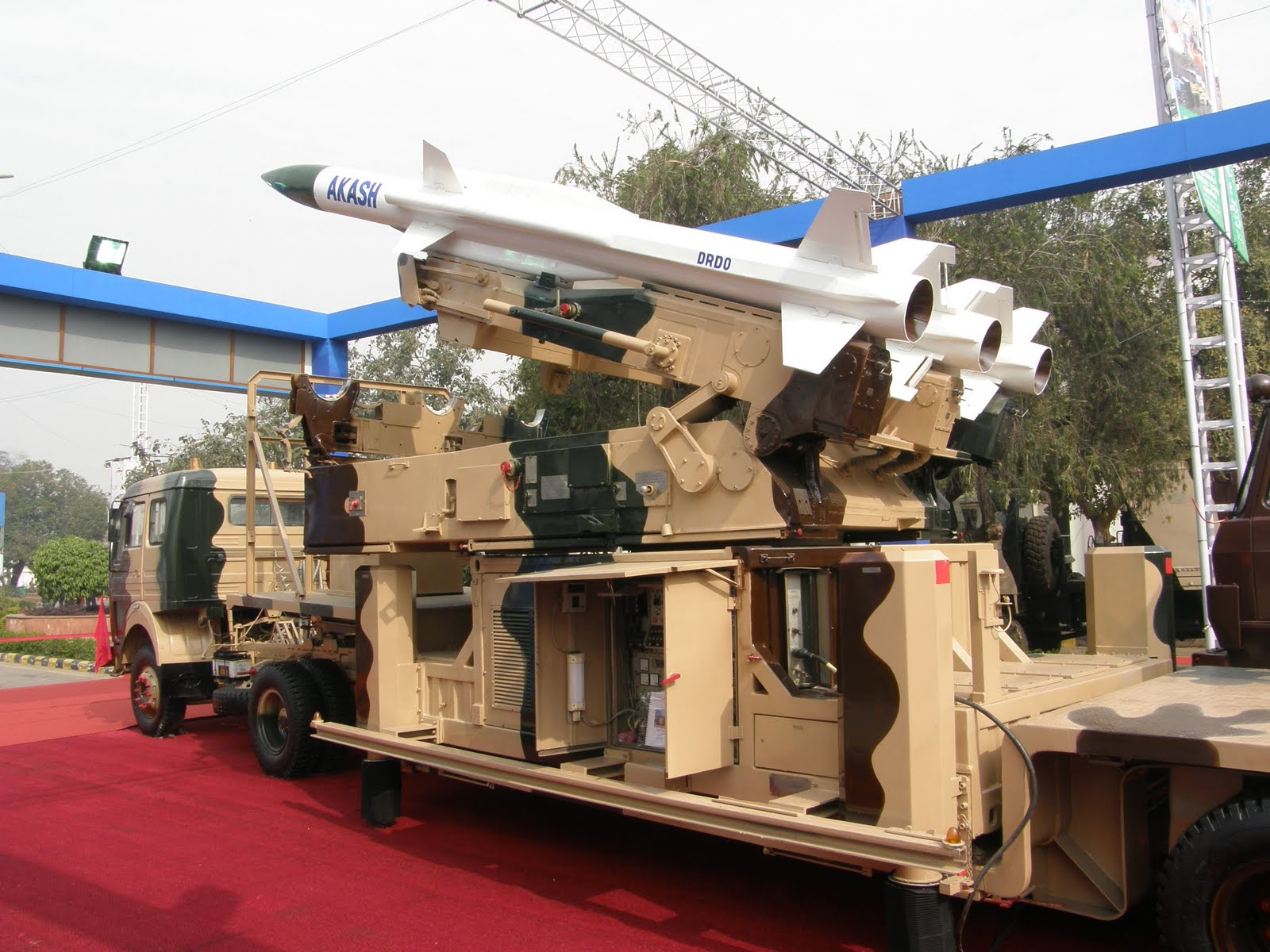Akash Anti Aircraft Missile System  military weapon system picture