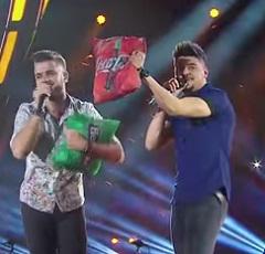Zé Neto e Cristiano lançam clipe de Cadeira de Aço