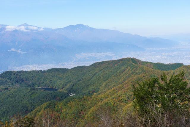 山梨百名山・蛾ヶ岳頂上からの景色