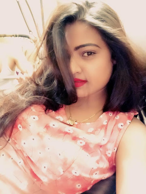 Diya Singh Hot & Sexy Pics In Bikini Photos Images