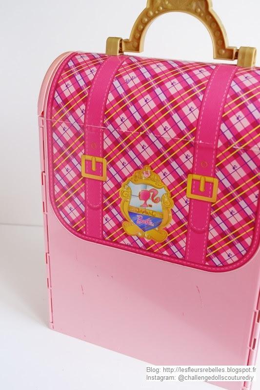 Trouvaille la maison pliable barbie chambre magique 2 en 1 barbie princess charm school royal - Maison pliable ...