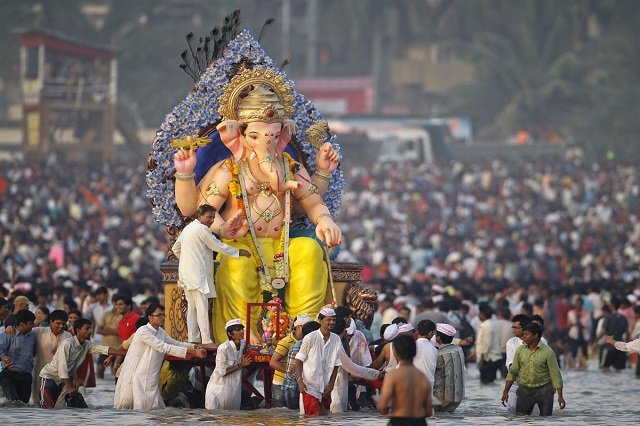Ganesh Chaturthi : Submergence of the idol of the Lord Ganesha