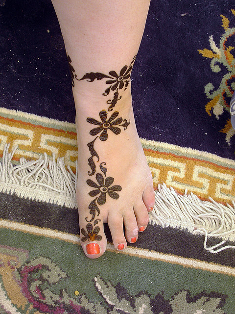 Shaolin Tattoo: Simple Mehndi Designs For Feet  Shaolin Tattoo:...