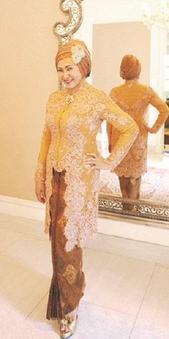 Model Kebaya Muslim Ibu-Ibu Modern Bahan Brokat