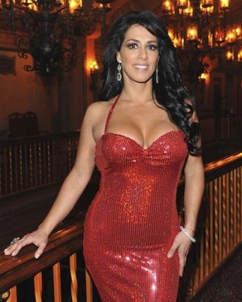 maritza del portillo vestido rojo