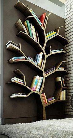 グミのシャンデリア?感性を刺激するクリエイティブな家具#2・9選【a】 木の形の本棚
