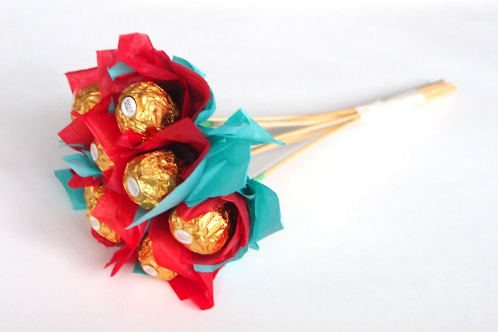 Ferrero chocolate bouquet for valentines tutorial ting and things ferrero chocolate bouquet for valentines tutorial izmirmasajfo